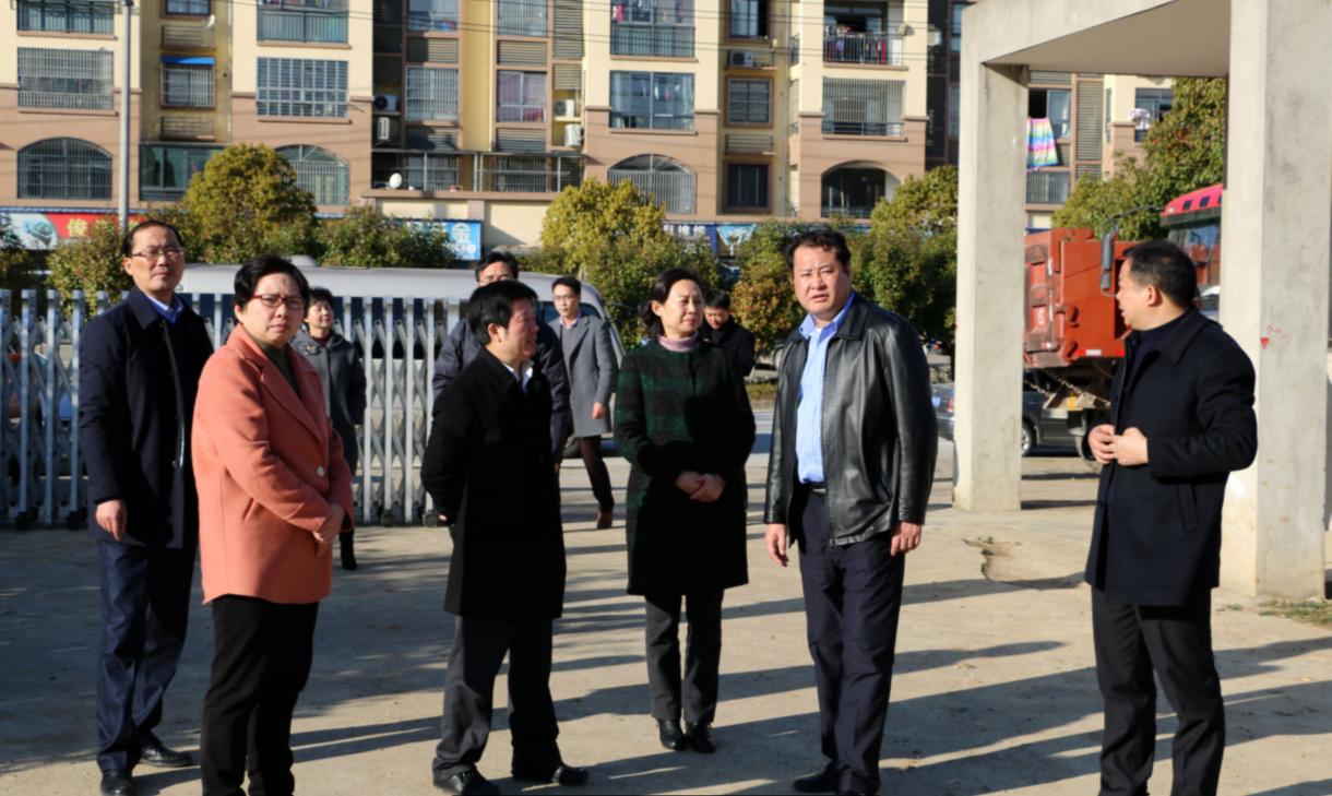县四大班子领导赴企业开展春节慰问活动
